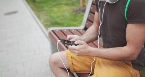 headphones-925886_960_720